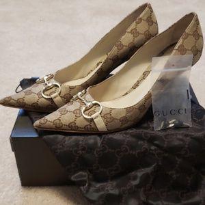 Gucci Tess Closed Toe Heel